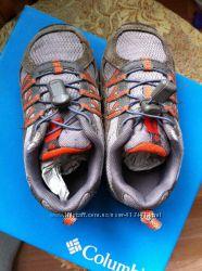 Шикарные кроссовки Columbia  9 размер оригинал