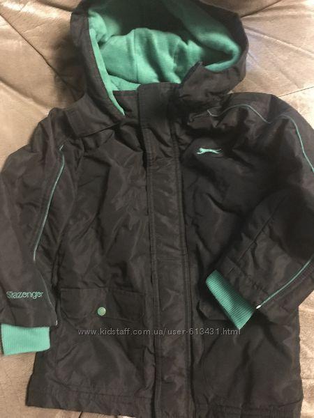 Очень удобная куртка Slezenger внутри на флисе на 5-6 лет
