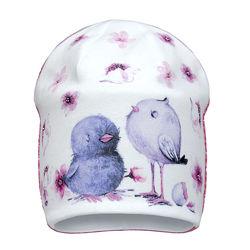 Демисезонная двухслойная шапка для девочки Птицы 42-46