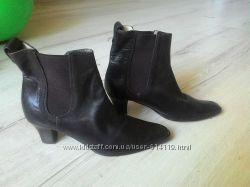 Шикарные ботинки челси натур кожа от michael kors , размер 6