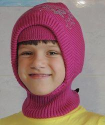 Тёплая очаровательная шапка для маленьких красавиц с шерстяным утеплителем