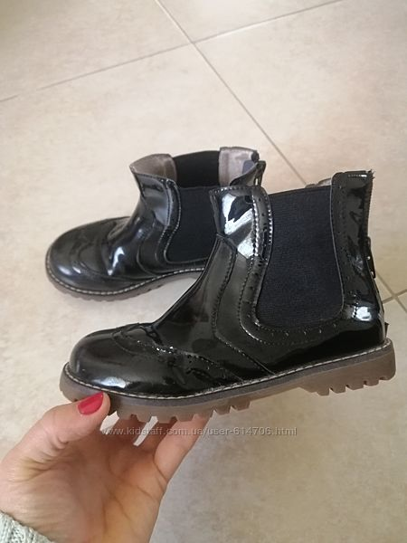 Стильные лаковые ботинки Evie shoes демисезонные