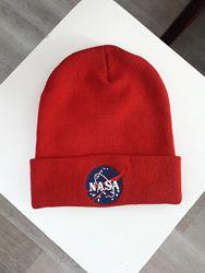 Шапка NASA