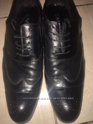 стильные фирменные кожаные туфли в отличном состоянии