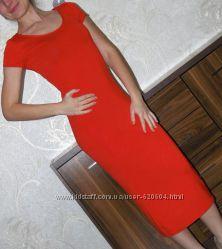 Яркое платье чулок