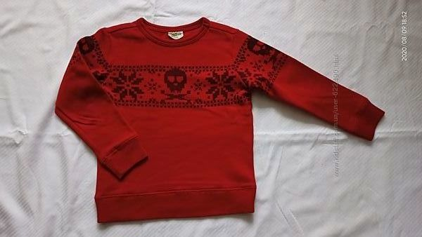 Фирменные свитера на мальчика, на 5-7 лет