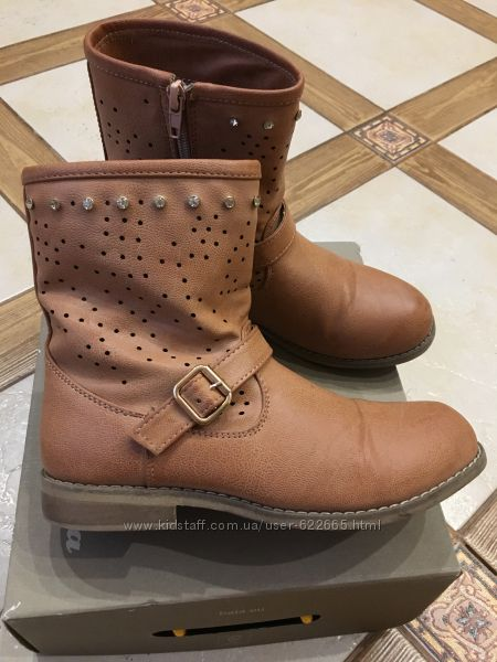 Демі чобітки Bata