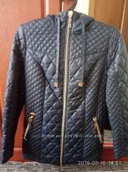 Демисезонная куртка новая. размер 46.
