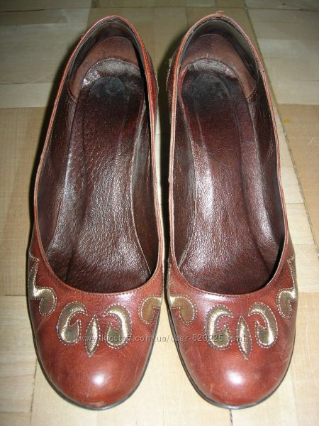 Элегантные кожаные туфли р. 39