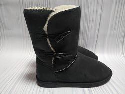 Сапоги ботинки зимние угги willowbee размер 6us 23,5 см куплены в США