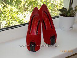 Туфли на высоком каблуке 37р. Красные