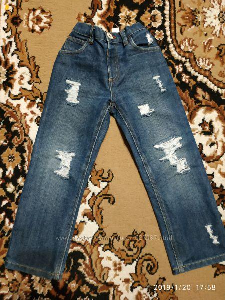Рваные джинсы 110-116см 5-6лет