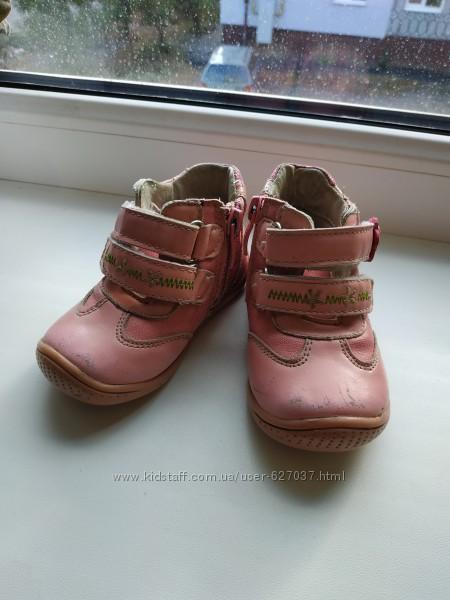 Продам ботиночки 31р на девочку стелька 12см