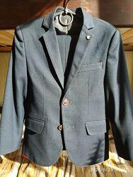 Классический костюм на мальчика 6-8лет 122-128см супер качества