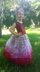 Нарядное платье с красивым переходом цвета.