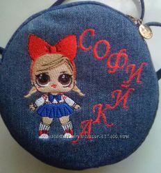 Красивая летняя сумочка с вышивкой.