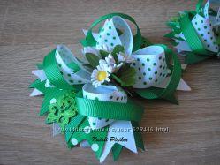 Зеленые Весенние бантики