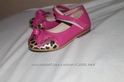 Красивые розовые туфельки