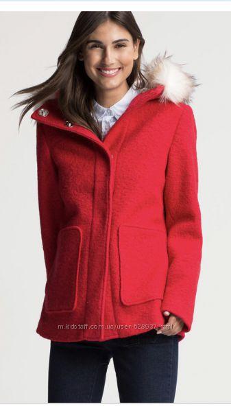 Пальто c&a красное с капюшоном, шерсть в составе