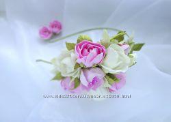 Ободок с розовым букетом и серьги