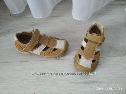 Закриті сандалі-туфлі, 15 см, без дефектів
