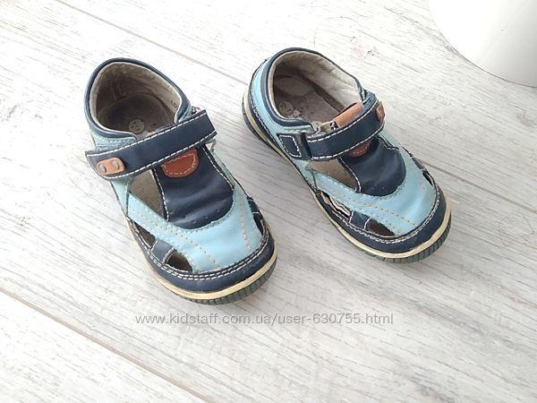 Закриті сандалі 14,9 см, шкіра, без дефектів