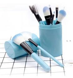Набор кистей для макияжа 12 штук в тубусе