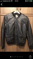 Фирменная кожаная мужская куртка р SM.  Натуральная кожа ягнёнка