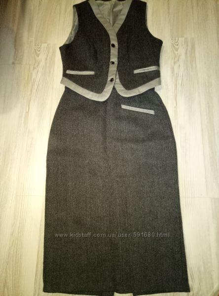 Деловой костюм  - огчень теплый и стильный р. 44-46