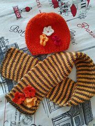 Комплект шапочка и шарфик на малышку 3 мес