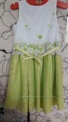 Нарядное платье Mayoral на 5- 6 лет 122 рост