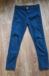 Стрейчевые джинсы на девочку 7-8 лет.