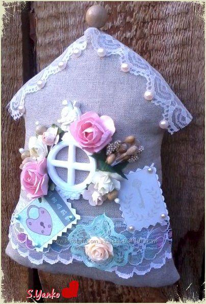 Интерьерный текстильный домик-подвеска