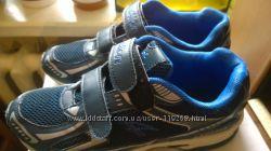 Канадские кроссовки размер 39