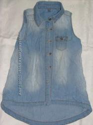 Легусенькая стильная джинсовая рубашка без рукавов на рост 134 Denim co