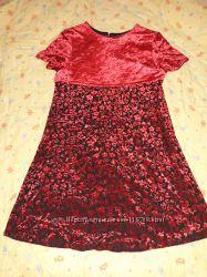 нарядное платье на 7-9 лет Marks&Spencer