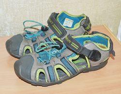 Босоножки с закрытым носком спортивные Pablosky р.34