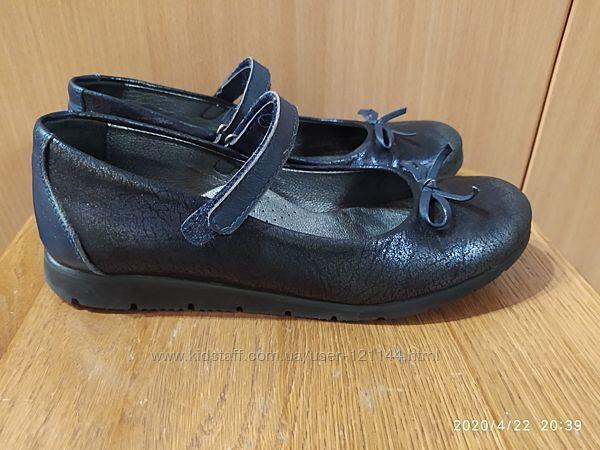 Туфли для девочки Happy Walk, Турция. 35 р в отличном состоянии