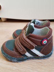 Деми ботинки 23 размер