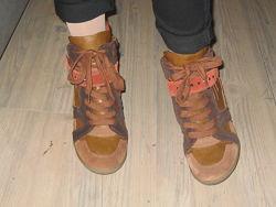 Ботинки  Tamaris раз. 39-40 ст. 25. 5 см оригинал Германия состояние новых