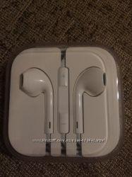 Абсолютно новые наушники с микрофоном Apple