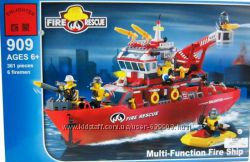 Конструктор Пожарно-спасательный катер 361 деталь Brick- 909