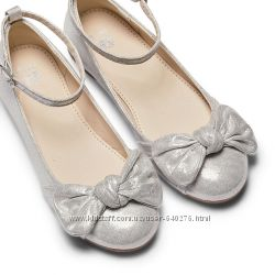 Серебряные туфельки Bata