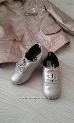 Замечательньіе серебряньіе туфельки crazy8 15, 5