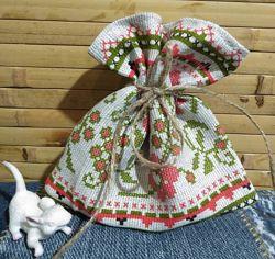 Торбинки з українським онаментом