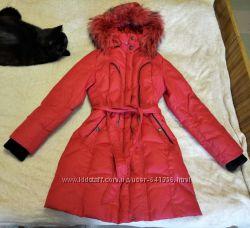 Теплый зимний пуховик Snowimage натуральный, с капюшоном и мехом, красный