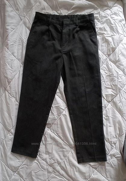 Классные плотные школьные брюки штаны Next р. 146. Состояние отличное.