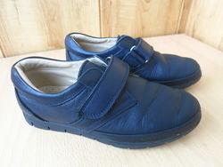 Школьные кожаные туфли Perlina