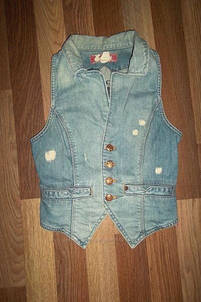 Дорогая крутая джинсовая жилетка H&M