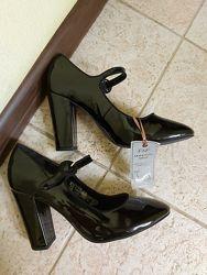 Стильные туфли с ремешком, f&f